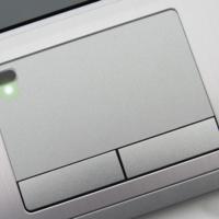 El sensor de huellas irá a parar al touchpad de nuestro portátil Windows 10