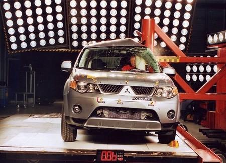 Mitsubishi Outlander - EuroNCAP