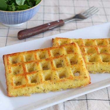 """Cómo hacer gofres keto o """"chaffles"""": la receta proteica ideal para dietas bajas en hidratos"""