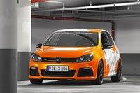 Volkswagen Golf R, naranja eléctrico con camuflaje y 325 CV