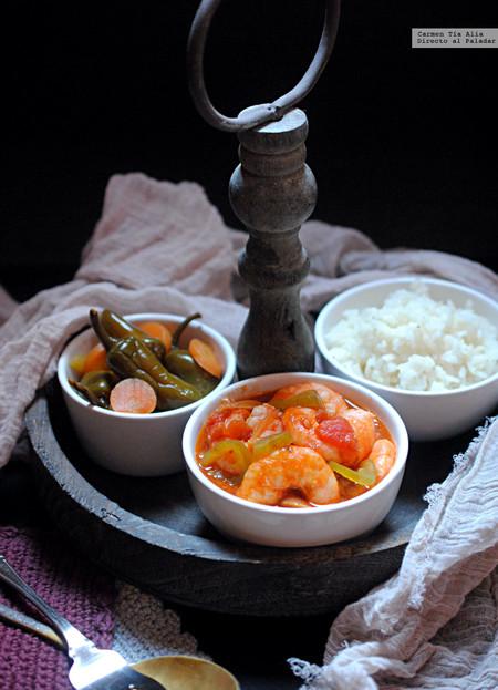 Langostinos en salsa de tomate, cilantro y chile