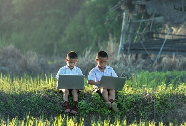 Laptop Nature Grass Outdoor People Field 1179865 Pxhere Com