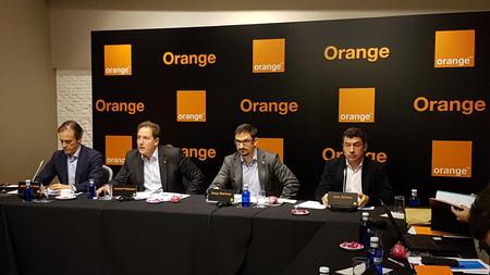 Orange sigue ganando clientes mientras que su 4G y fibra se expanden con fuerza