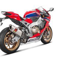 Erotismo en titanio y acero. Los Akrapovič para Honda CBR1000RR Fireblade son espectáculo de carreras