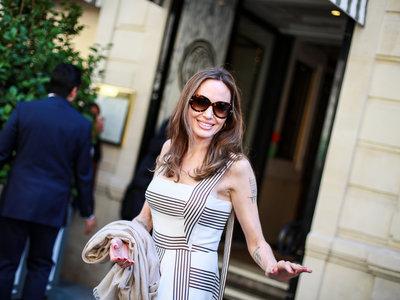 Estos son los looks de verano de Angelina Jolie que podrían inspirar a más de una por su sencillez
