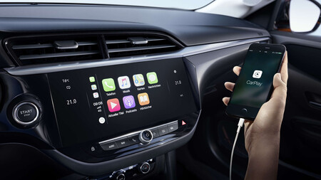Android Auto y Apple CarPlay incorporados