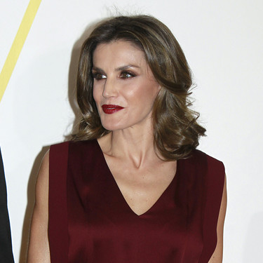 Doña Letizia se marca este lookazo en los Premios Mariano de Cavia