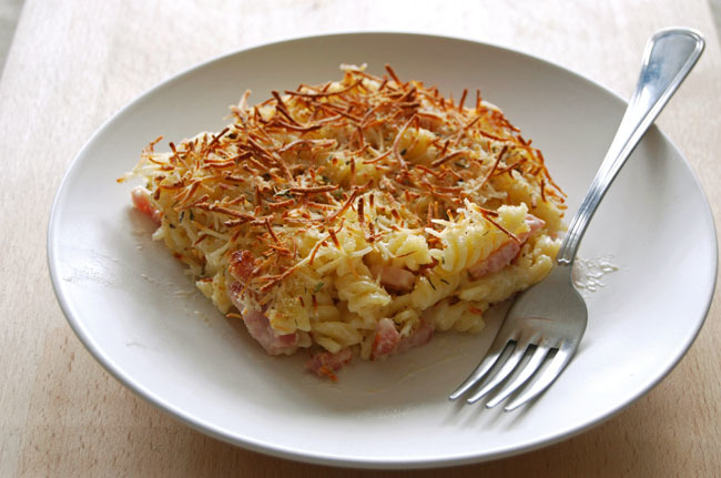 Gratinado de hélices con bacon