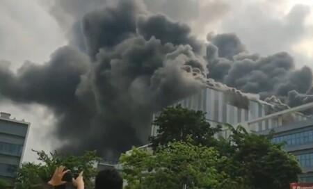 Un edificio de Huawei sufre incendio en Dongguan, ciudad epicentro de la empresa en China