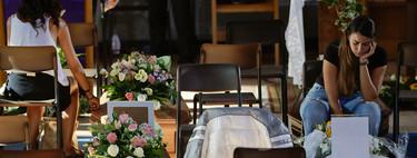 20 horas velando a tu hijo en casa: cuando la muerte es tan cara que no puedes pagar un entierro