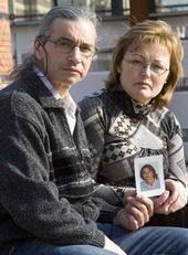 Un conductor implicado en la muerte de un joven de 17 años que iba en bici pide 20.000 euros a sus padres para reparar su Audi A8