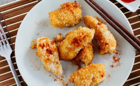 Pollo frito al coco. Receta fácil de carne blanca