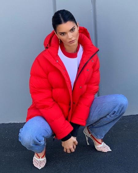 207a3858d6 La obsesión de Kendall Jenner son los pantalones: cinco looks con los  pantalones de moda de la temporada