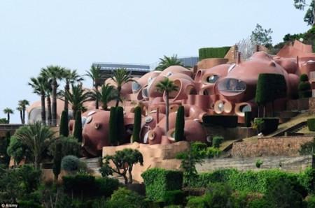 El hotel literalmente surrealista que puedes encontrar al sur de Francia: Palais Bulles