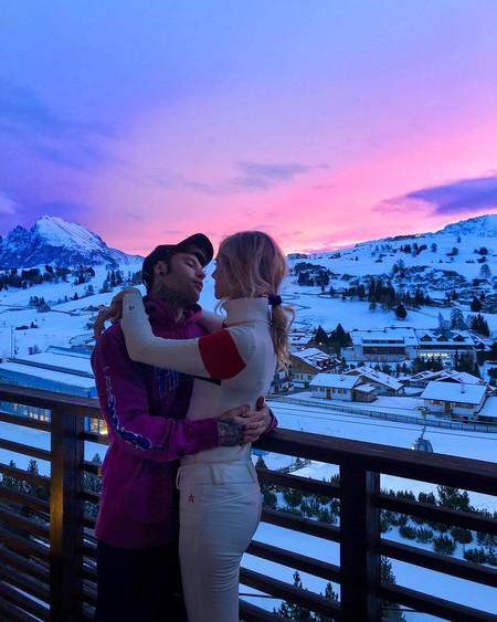 Chiara Ferragni celebra la Navidad en las montañas mientras sigue las tendencias del momento (a su manera)