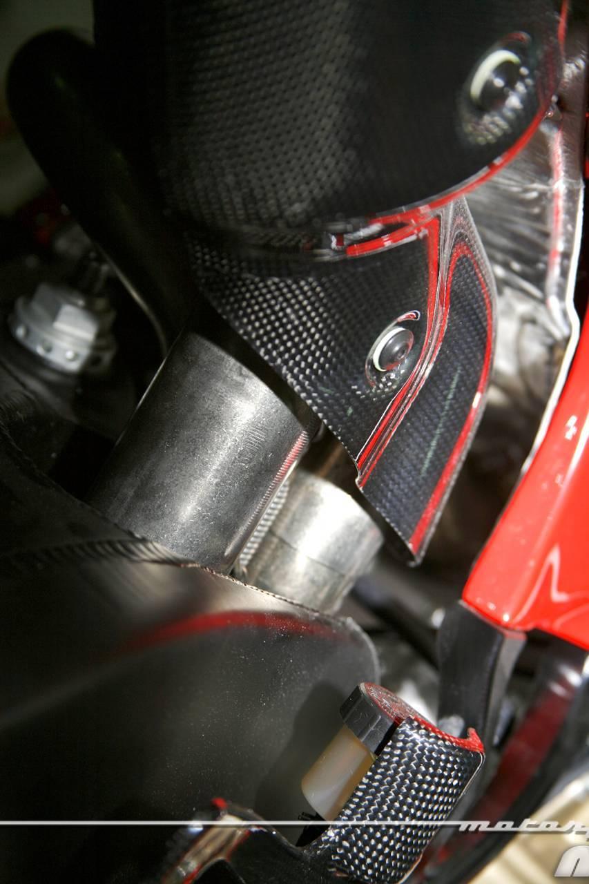 Foto de Ducati Desmosedici RR, toma de contacto (prueba dinámica y galería de fotos) (40/55)