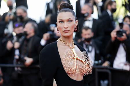 Los pulmones dorados de Bella Hadid o la falda tropical de Taylor Hill: lo más impresionante del fin de semana en Cannes
