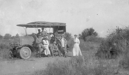 Dernburg-Wagen en el campo
