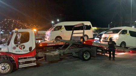 """Uber Van con inicio complicado en México: autoridades de Nuevo León decomisaron 10 vehículos por operar como """"taxis pirata"""""""