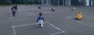 Las impactantes imágenes de la vuelta al colegio en Francia, y de cómo logran que los alumnos mantengan la distancia social