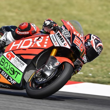 Quartararo arrasa en Montmeló para lograr su primera victoria mundialista; Oliveira roza el liderato de Moto2