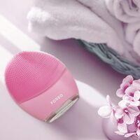 El dispositivo de limpieza facial con app incluida de Foreo está rebajadísimo en el Black Friday de Amazon