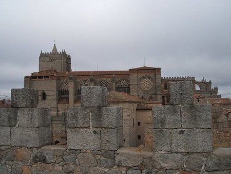Descubren un pasadizo secreto en la Catedral de Ávila