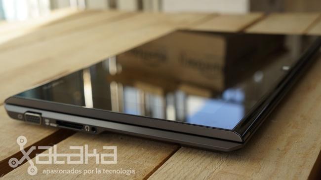 Sony Vaio Duo 11 pantalla expuesta