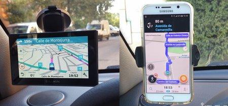 Navegador GPS portátil vs. Waze, ¿pagar o no pagar por un GPS para el coche?