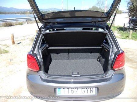 Volkswagen Polo interior 8