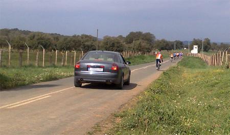Ciclistas Coche