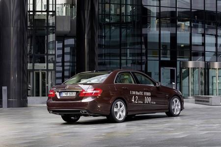 Mercedes e 300 BlueTEC trasera
