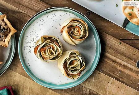 Rosas De Queso Crema Calabacin Y Salmon Ahumado