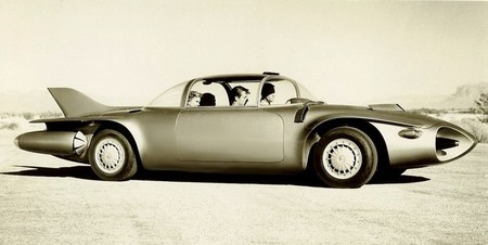Así iba a ser el coche del futuro: GMC Firebird II