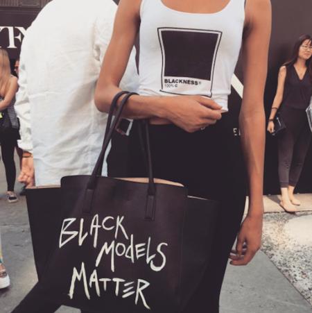 #BlackModelsMatter: un simple bolso convertido en toda una declaración de intenciones