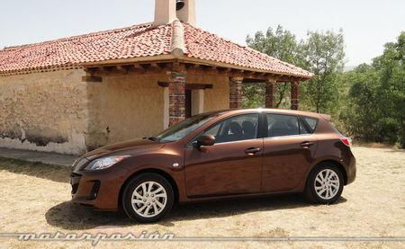 Mazda3 1.6 CRTD 115 cv, vista lateral