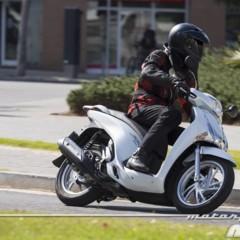 Foto 12 de 19 de la galería honda-scoopy-sh125i-2013-prueba-valoracion-galeria-y-ficha-tecnica-fotos-accion en Motorpasion Moto
