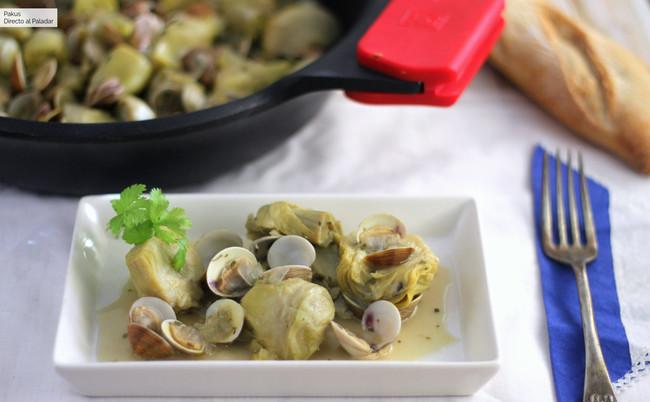 Receta de alcachofas con almejas, ideal para bajar el ritmo después de tantas comilonas