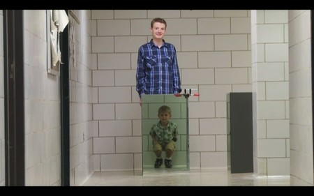 Con un ingenioso invento 'háztelo tu mismo' John Howell y su hijo se hacen invisibles