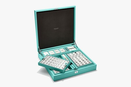 Los juegos de mesa se tiñen de lujo: Tiffany & Co quiere que juguemos al Mahjong y al ajedrez esta Navidad 2020