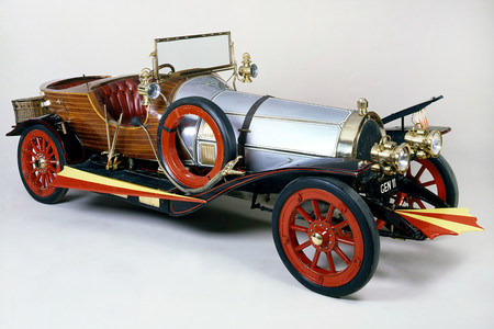Esta es la historia que inspiró al Chitty Chitty Bang Bang volador: los veloces coches del conde Louis Zborowski