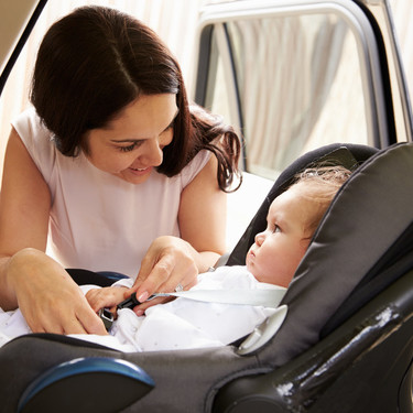 Siete consejos para que el viaje en coche con tu bebé sea más placentero