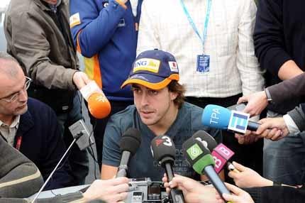 Fernando Alonso no cree que el KERS aporte nada