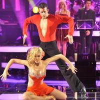 Edurne encuentra el amor en la pista de baile
