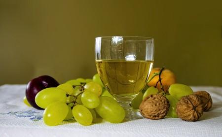 Que no se te atraganten las uvas: esto es lo que debes saber para reaccionar a tiempo en caso de atragantamiento