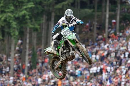 Clement Desalle y Pauls Jonass conquistan Francia con sendas victorias en MXGP y MX2