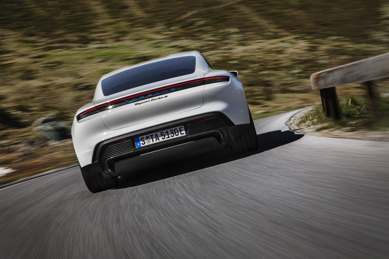 Foto de Porsche Taycan (16/21)