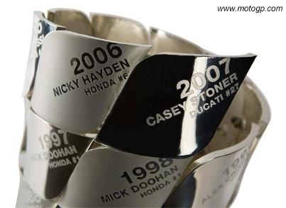 El nuevo trofeo de MotoGP