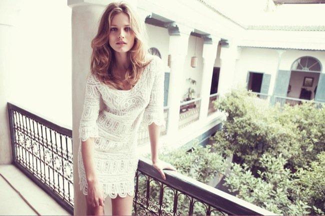 El encaje está de moda este verano 2010: cómpralo en Zara o Mango y aprende con los looks de calle. Massimo Dutti