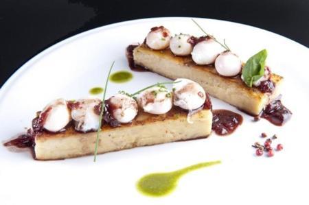 Cartoccio De Patate Pastel De Patata Parmiggiano Y Guanciali Con Huevo De Codorniz 001